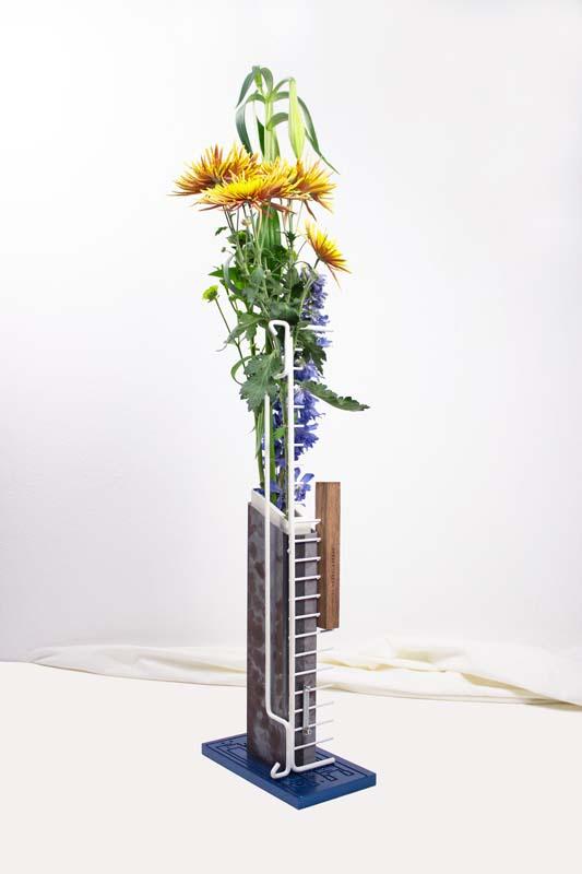 Floriane Dulurieb/Lichen Vase