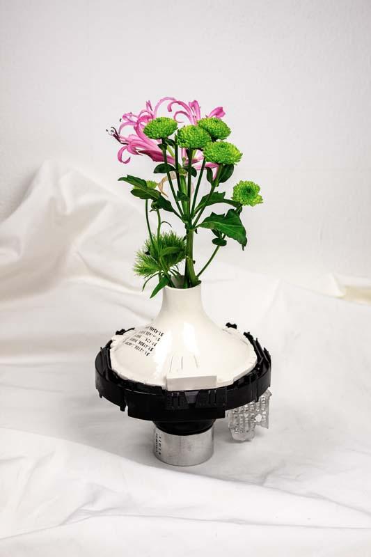 Floriane Dulurieb/Remora Black Vase