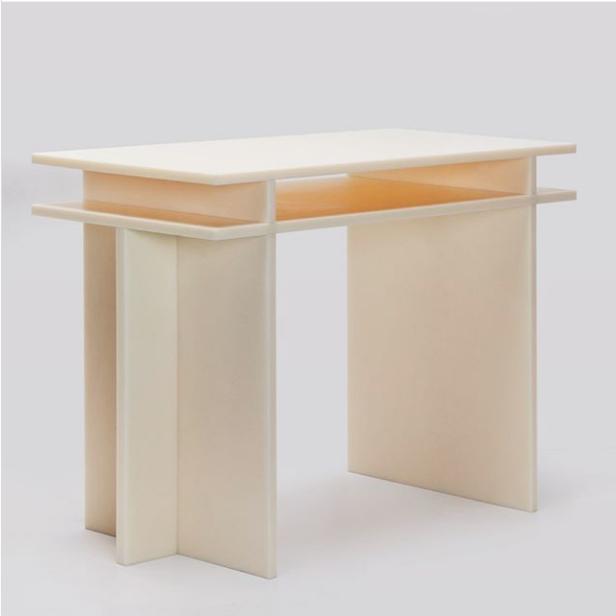 Johan Viladrich/Nylon Desk 001